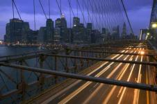 Wandbilder New York Wandbilder  Brooklyn Bridge bei Nacht mit Blick auf Manhattan